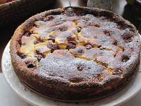 tvarohový koláč s novohradskými třešněmi