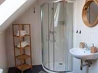 Koupelna v podkroví - pronájem chalupy Nová Bystřice - Nový Vojířov