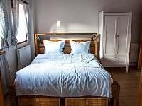 Ložnice v přízemí - chalupa ubytování Nová Bystřice - Nový Vojířov