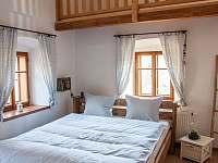 Ložnice v přízemí - chalupa k pronájmu Nová Bystřice - Nový Vojířov