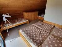 velký pokoj2 - pronájem roubenky Horní Planá - Hůrka