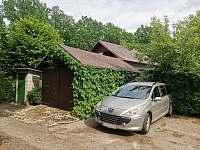 Parkovací stání přímo u chaty - k pronájmu Břehov - Picina