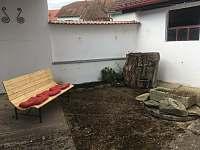 Dvorek - chalupa ubytování Stříbřec