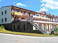 pohled ze strany - apartmán ubytování Lipno nad Vltavou