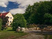 Kamenný mlýn Přední Zborovice - apartmán ubytování Přední Zborovice