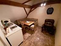 Kuchyň v podkroví - apartmán k pronajmutí Jarotice