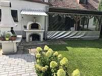 Pec na pizzu, gril a veranda - chalupa ubytování Kondrač