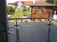 balkon s výhledem do zahrady - Tábor