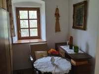 Prvorepubliková ložnice s manželskou postelí - chalupa k pronájmu Bělčice - Hostišovice