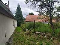 Rekonstrukce plotu - pronájem chalupy Bělčice - Hostišovice
