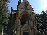 Buquoiská hrobka - pronájem chaty Obora u Vyšného