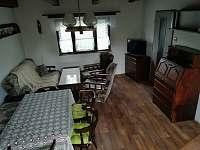 Obývací pokoj - pronájem chaty Obora u Vyšného