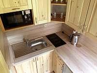 chata HUBERTKA - ÚTULNA - kuchyně - pronájem Jemčina
