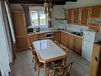 Kuchyň s jídelním stolem - Záluží u Trhové Sviny