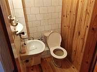 WC podkroví - pronájem chalupy Záluží u Trhové Sviny