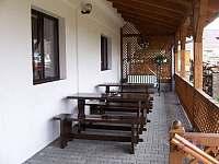 Apartmány Chlum u Třeboně - sezení na terase - k pronájmu
