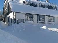 """ubytování""""Na Churáňově"""", chalupa v zimě - ubytování Stachy - Churáňov"""