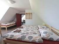 pokoj č. 4 - podkroví - Zvíkovské Podhradí