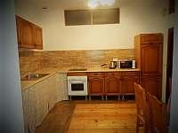 Apartmán 48, kuchyň - pronájem Chvalšiny