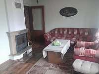 Chata na Karláku_obývací pokoj_I - ubytování Karlovy Dvory