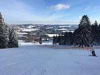 Skiareál Lipno nabízí 13 km sjezdovek -