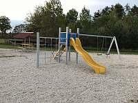 Dětské hřiště za zahradou - Dubenec