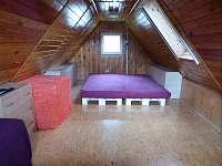 Podkroví1 - pronájem chaty Veleslavice