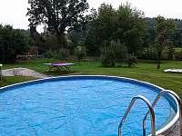 Bazén 5.5m × 1.2 m - chalupa k pronájmu Níkovice