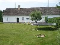 Apartmán s přilehlou zahradou