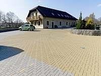 Soukromé parkoviště pro hosty