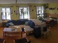 Kuchyň + Společenská místnost - pronájem rekreačního domu Hoštice u Volyně