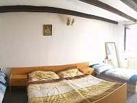 Ložnice s balkónem - Hoštice u Volyně