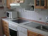 Kuchyňská linka - chalupa k pronájmu Strmilov