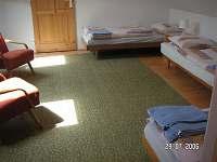 První ložnice - chalupa k pronájmu Strmilov