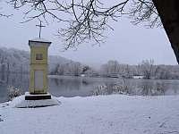 Zimní Lužnice - chata k pronájmu Týn nad Vltavou