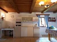 Chalupa pronájem Frymburk Lipno kuchyň