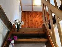 Chalupa pronájem Frymburk Lipno schody do patra