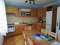 Kuchyně s jídelním stolem - Černá v Pošumaví