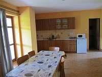Ubytování Kubínovi_Nová Hlína 32_Velký nový apart_vybavení a vstup do koupelny