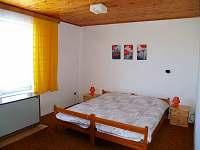 pokoj 3 lůžka ( byt č.1 )