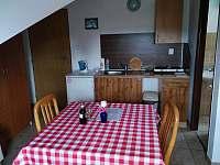Pokoj č.1- Dvou lůžkový s přistýlkou, kuchyňským koutem a vlastní koupelnou - ubytování Hamr