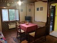 společenská místnost - chata k pronájmu Dobronice u Bechyně