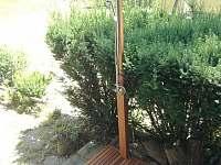 zahradní sprcha - Dobronice u Bechyně