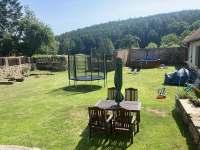 Zahrada - chalupa ubytování Újezdec
