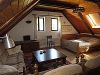 Dům Jelen ložnice 2 - chalupa k pronájmu Hajany