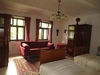 Dům Jelen ložnice1 - chalupa ubytování Hajany