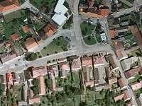 letecký pohled na chlupu a náměstí - Jistebnice