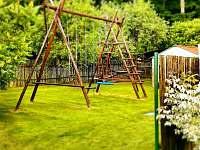 Houpačky pro děti - pronájem chalupy Turovec
