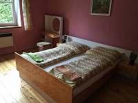 Ložnice s manželskou postelí - pronájem chalupy Turovec