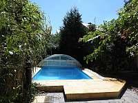 Bazén - vila ubytování Adamov